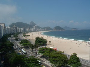 Rent a flat in Copacabana, Rio de Janeiro, Brazil, with direct ocean view from the bedroom